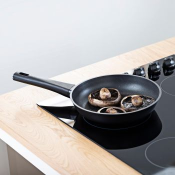 Vitinni 24cm Non-Stick Cast Aluminium Frying Pan